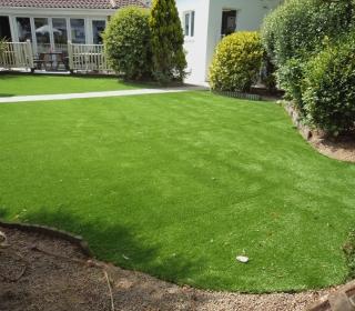 Artificial-Grass-(2)-1280