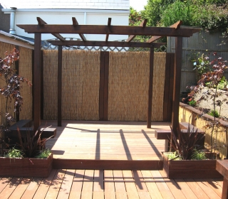 Stained-Timber-Pergola-1280